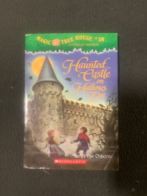 Magic tree house #30 haunted castle FREE with purchase for Sale in Montclair, CA