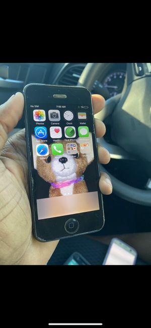 IPhone 5 128gb UNLOCKED for Sale in Orlando, FL