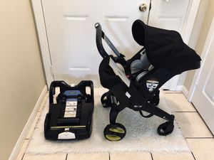 CAR SEAT & STROLLER DOONA for Sale in Riverside, CA