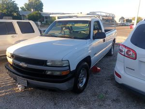 2002 chevy 1500 5,3 v8 200,000 miles new spark plugs wires,tune up engine strong for Sale in Victorville, CA