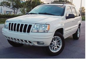 Runs Great 2004 Jeep Grand Cherokee AWDWheels for Sale in Tampa, FL