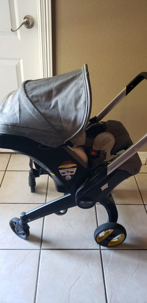 Doona Infant car seat with base for Sale in Tyler, TX