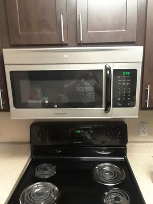 Frigidaire appliance set need to sell ASAP for Sale in Midvale, UT