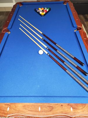 Beautiful pool table great condition with accessories for Sale in Amarillo, TX