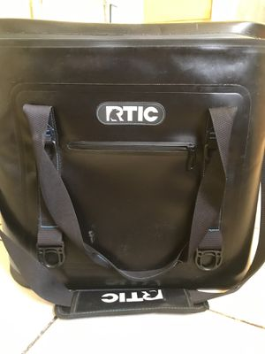 RTIC 40 soft pack, YETI cooler for Sale in Los Angeles, CA