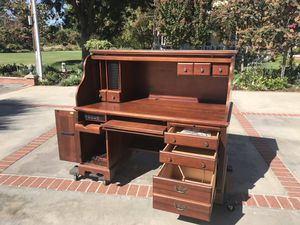 Roll top desk and chair. for Sale in Clovis, CA