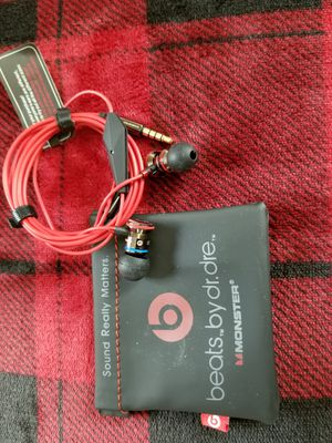 Beats headphones by Dr. Dre for Sale in Eagle Mountain, UT