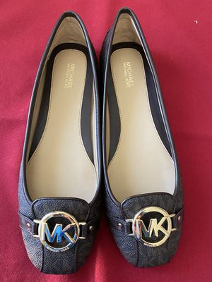 Michael Kors Flat Shoes Women Size 9M New with Box for Sale in Menifee, CA
