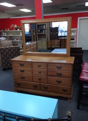 Amazing dresser with attached mirror for Sale in Modesto, CA