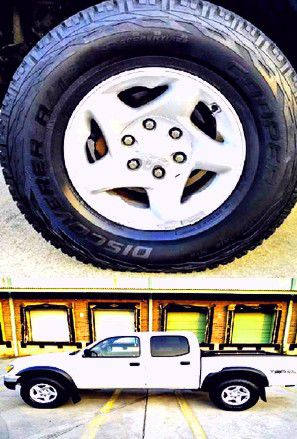 $1,4OO I'm selling urgentl 2OO4 Toyota Tacoma. for Sale in Pineville, LA