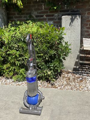 Dyson DC25 Vaccum Cleaner for Sale in Alhambra, CA