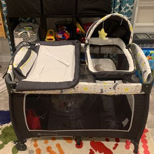 Infant / Baby Play Pen. for Sale in Seaford, NY