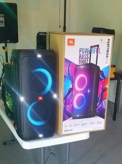 JBL Partybox 310. Brand new speaker. Bluetooth. 24 hour battery. Sound effects. Waterproof. Microphone inputs. NUEVA. for Sale in Miami Springs,  FL