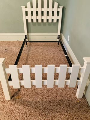 Headboard and bed frame for Sale in Belvidere, IL