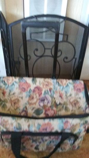 Weekend suitcase for Sale in Oroville, CA
