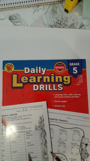 DAILY LEARNING DRILLS GR. 5 WITH FREE DESKTOP ORGANIZER & GRADER! for Sale in Grand Prairie, TX
