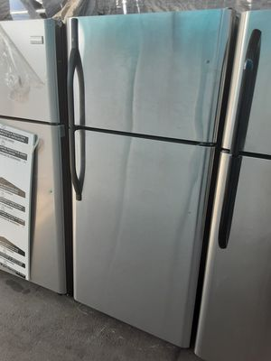 $350 Kenmore stainless steel 18 cubic fridge includes delivery in the San Fernando Valley a warranty and installation for Sale in Los Angeles, CA