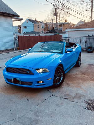 Ford Mustang V6 Premium for Sale in Stickney, IL