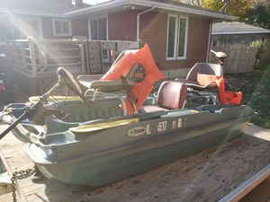 Pelican 10' fishing boat and Eagle trailer for Sale in Roselle, IL