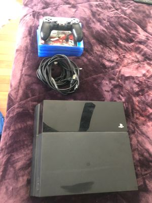 Used PS4 w/ controller, hdmi cord, controller charger, PS4 DC cord for Sale in Temple Hills, MD