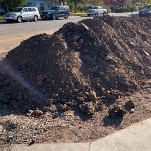 Free Dirt - I Will Load With My Tractor For You for Sale in Yorba Linda, CA