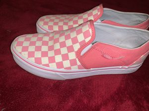 Pink and white checkered Van's Women's size 9. for Sale in Phoenix, AZ