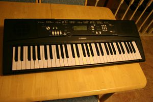 Yamaha EZ-220 music keyboard for Sale in Alexandria, VA