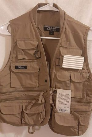 New Gander mountain youth size large fishing vest for Sale in Spencer, WV