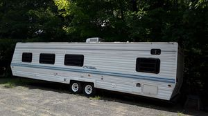 1999 chateau camper trailer for Sale in Meriden, CT
