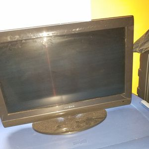 25 inch t.v. with remote. Reg tv. Not smart t.v. for Sale in Jacksonville, FL