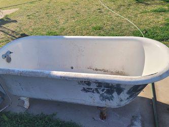 Antique Tub for Sale in Sanger,  CA