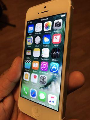 IPhone 5 liberado oiga para cualquier compañía le regala el vidrio Protector for Sale in Denver, CO
