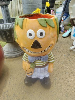 Holloween ghoul flower pot for Sale in Stafford, VA