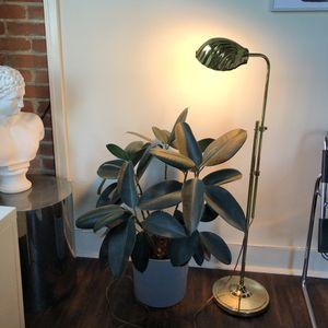Vintage Brass Shell Floor Lamp Mid Century Modern for Sale in Houston, TX