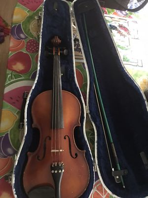 Pfretzschner 1982 4/4 Violin W/ Bow & Case. Negotiable!!! for Sale in Ellenwood, GA