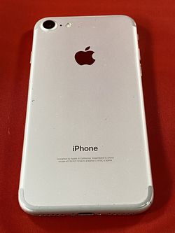 iPhone 7 32GB Silver Unlocked for Sale in Seattle,  WA