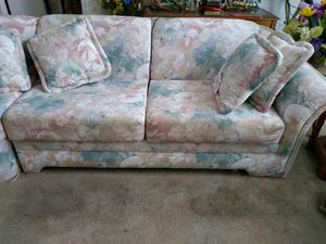 Couch 3PC beautiful Florida sectional for Sale in Davenport, FL