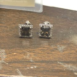 18Kt White & Champagne Diamonds Studs Earrings for Sale in Baltimore,  MD