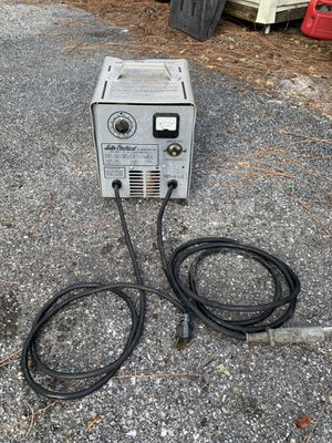 12 volt golf cart charger , works 100 % by Lester electric for Sale in West Palm Beach, FL