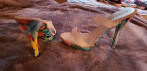 White heel sandal with beautiful color heel and bottom. Size 7 for Sale in Greenwich, CT