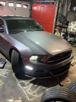 2014 Mustang Hood for Sale in Country Club Hills,  IL