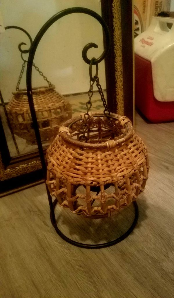 Tea light wicker candle holder