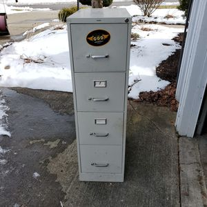 4 Drawer METAL filing cabinet for Sale in Endicott, NY