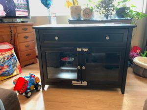 Free tv stand for Sale in Issaquah, WA