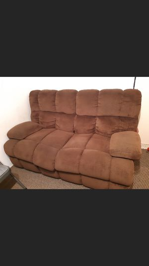 FREE recliner sofa for Sale in San Gabriel, CA