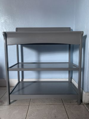 Baby changing table (Child Craft brand) for Sale in Hialeah, FL