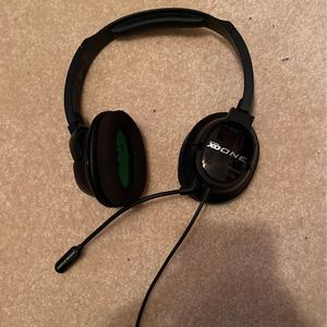 Xbox One Turtle Beach Ear Force XO One Headset for Sale in Countryside, IL