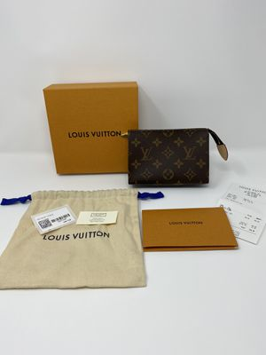Louis Vuitton Toiletry Pouch 15 for Sale in Los Angeles, CA