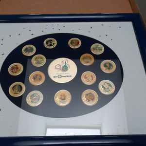 WDW 20TH ANNIVERSARY PIN SET for Sale in East Islip, NY