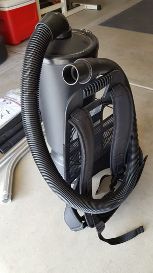 Rubbermaid backpack vac for Sale in Fresno, CA